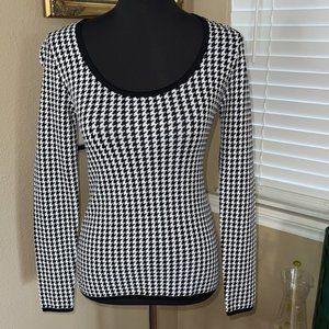White House Black market houndstooth LS top new XS
